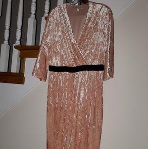 Crushed velvet Eve Mendes dress